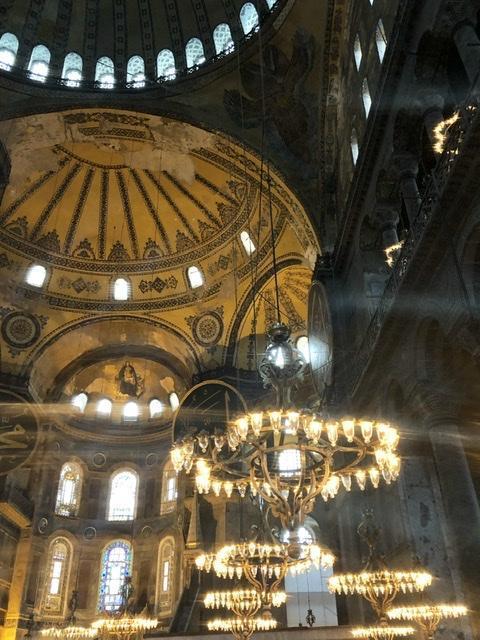 Interno della Basilica di Santa Sofia